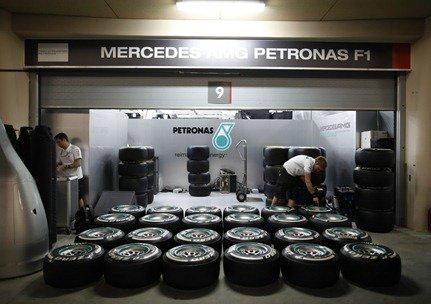 Mercedes-Bahrain-05