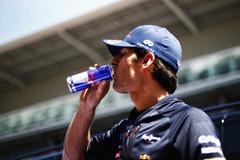 Mark_Webber-Drinking-Red_Bull