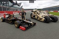 Lotus_F1_Team_and_The_Dark_Knight_Car