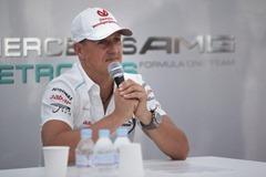 Michael_Schumacher-F1_GP_Suzuka_2012-PC-01