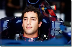 Daniel_Ricciardo-F1_GP-UK_2012-01