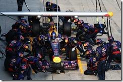 Sebastian_Vettel-F1_GP_Malaysia_2013-02