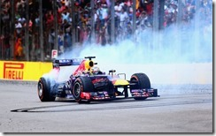 Sebastian_Vettel-Brazilian_GP-Donuts