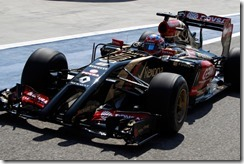 2014 F1 Pre Season Test 2 - Day 1 Bahrain International Circuit, Bahrain. Wednesday 19 February 2014. Romain Grosjean, Lotus E22 Renault. World Copyright: Andrew Ferraro/Lotus F1. ref: Digital Image _Q0C1495