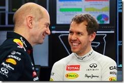 Sebastian_Vettel-with-Adrian_Newey-Bahrain-2014