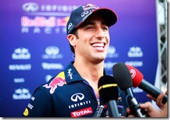 Daniel_Ricciardo-Malaysian_GP-2014-S02