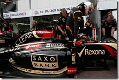 Monte Carlo, Monaco. Thursday 22 May 2014. Romain Grosjean, Lotus F1, climbs out of his car. Photo: Alastair Staley/Lotus F1 Team. ref: Digital Image _R6T8028