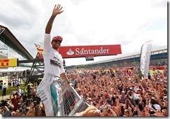 Lewis_Hamilton-British_GP-2014-R03