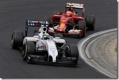 Felipe_Massa-leading-Kimi_Raikkonen-Hungarian_GP-2014