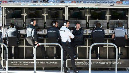 Mercedes_AMG_Petronas-Pitwall-Austin.jpg