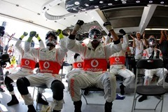 McLaren-Garage-Reaction