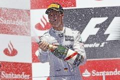Michael_Schumacher-Valencia_2012_Podium