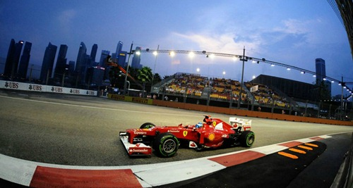 Fernando_Alonso-F1_GP_Singapore_2012-P1-01