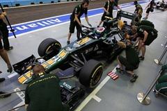 Vitaly_Petrov-F1_GP_Singapore_2012-R-01