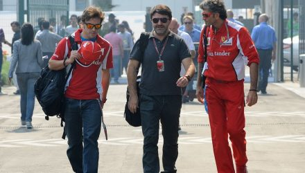 Fernando_Alonso-F1_GP_India_2012-T-01