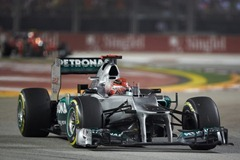 Michael_Schumacher-F1_GP_Singapore_2012-R-02