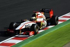 Pedro_de_la_Rosa-F1_GP_Japan_2012-R-01
