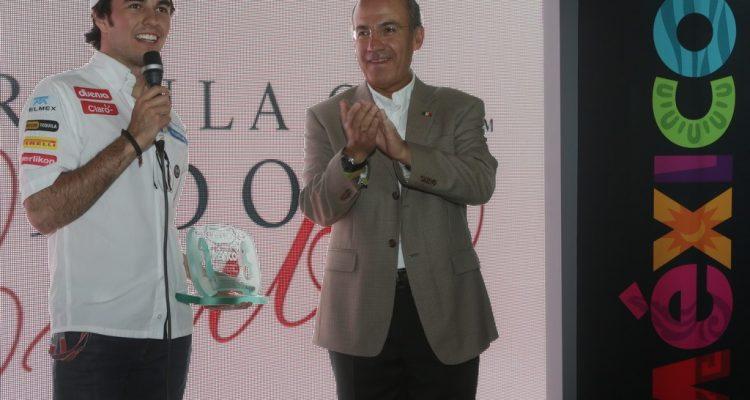 Sergio_Perez-with_Felipe_Calderon