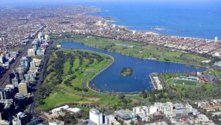 Melbourne-Albert_Park.jpg