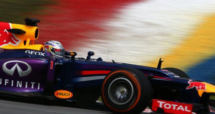 Sebastian_Vettel-F1_GP_Malaysia_2013-01