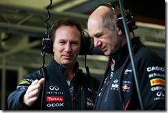 Christian_Horner_and_Adrian_Newey-F1_Tests_Jerez_2013-01