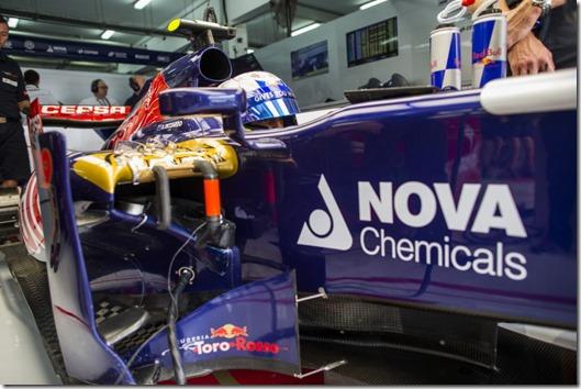 Daniel_Ricciardo-F1_GP-Bahrain_2013-01