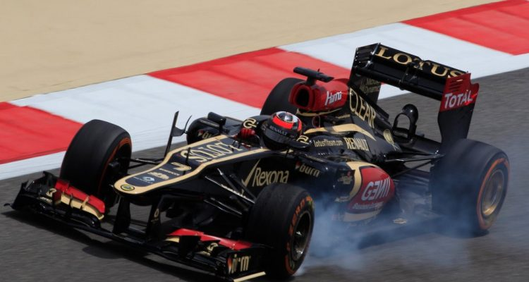 Kimi_Raikkonen-F1_GP-Bahrain_2013-02.jpg