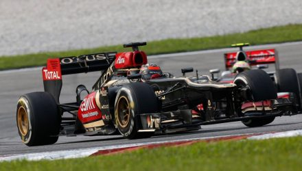 Kimi_Raikkonen-F1_GP_Malaysia_2013-02.jpg