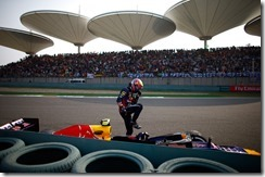 Mark_Webber-F1_GP_China_2013-03