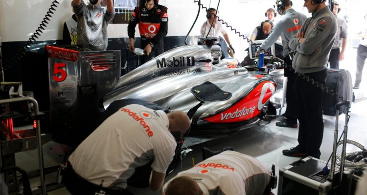 McLaren_Garage-F1_GP_China_2013-01.jpg