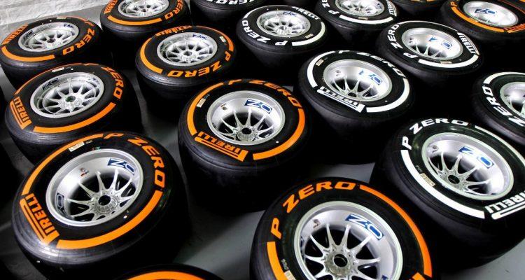 Pirelli_F1_Tyres-2013.jpg