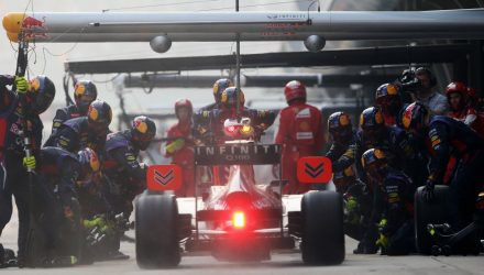 Red_Bull_Racing-Pit-Stop-F1_GP_China_2013.jpg