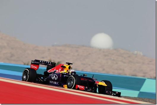 Sebastian_Vettel-F1_GP-Bahrain_2013-01