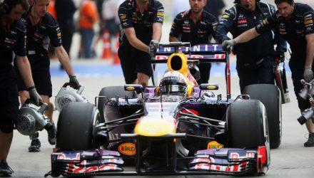 Sebastian_Vettel-F1_GP-Bahrain_2013-02.jpg
