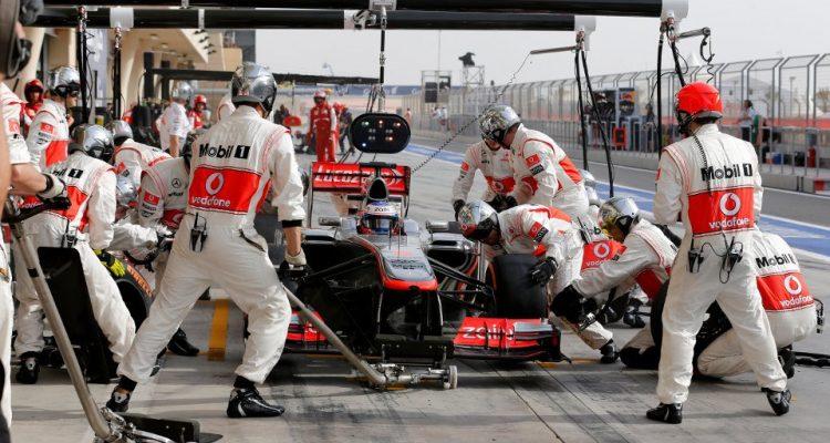 McLaren_PitStop-Bahrain_2013.jpg