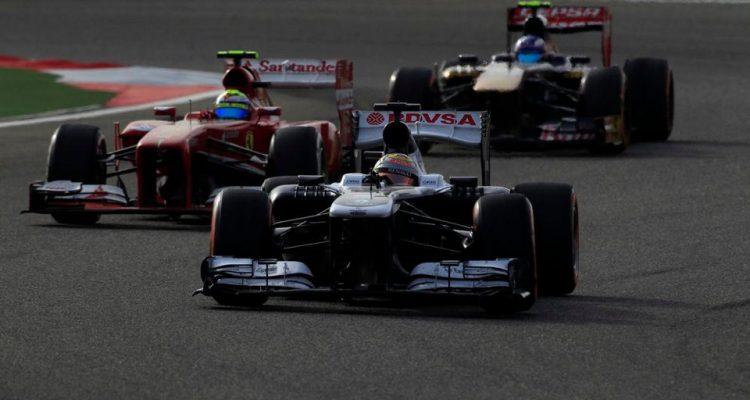 Pastor_Maldonado-F1_GP-Bahrain_2013-02.jpg