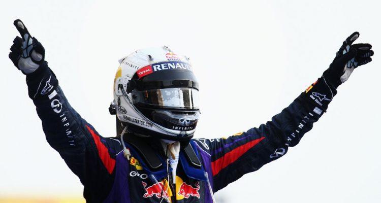 Sebastian_Vettel-F1_GP-Bahrain_2013-05.jpg