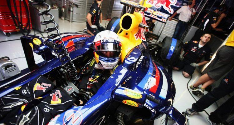 Sebastian_Vettel-Garage