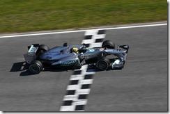 Lewis_Hamilton-Mercedes_Testing