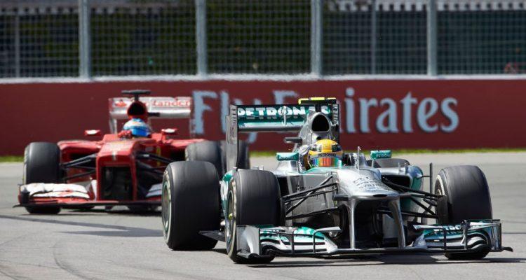 Lewis_Hamilton-racing-Fernando_Alonso.jpg