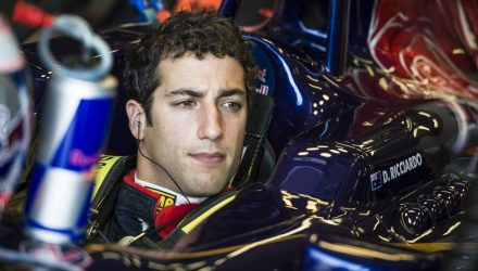 Daniel_Ricciardo-Cockpit.jpg