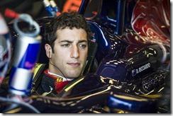 Daniel_Ricciardo-Cockpit