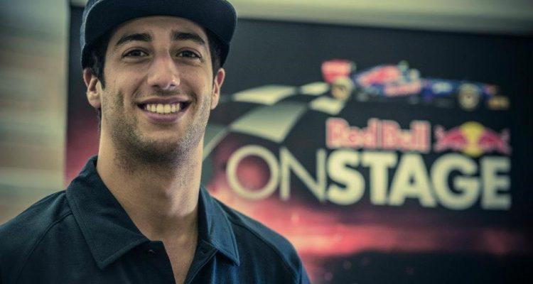 Daniel_Ricciardo-Toro_Rosso.jpg