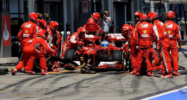 Fernando_Alonso-German_GP-PitStop.jpg