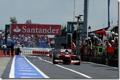 Fernando_Alonso-German_GP-Pit_Entry