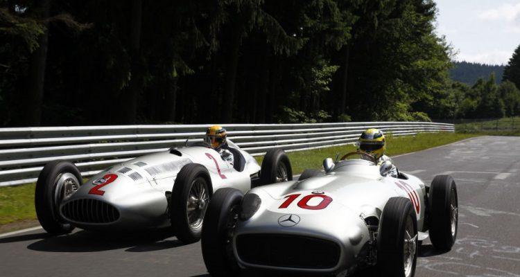 Lewis_and_Nico-Driving_at_Nurburgring_Nordschleife.jpg