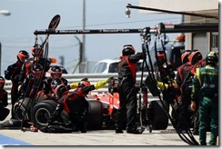 Marrusia_F1_Team-Hungarian_GP-Pitstop