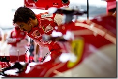 Fernando_Alonso-Ferrari_Garage