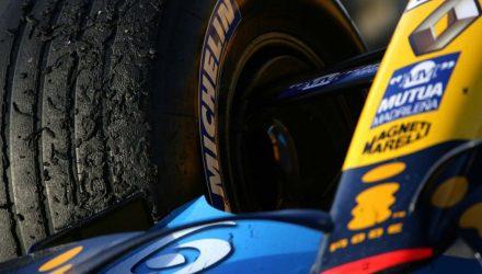 Michelin-F1_tyres-Renault.jpg