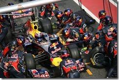 Red_Bull-PitCrew-Mark_Webber